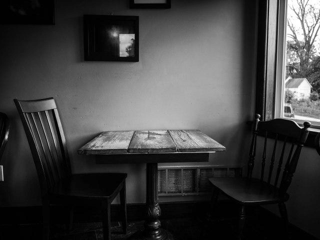 EmptyCafe2